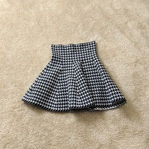 Dresses & Skirts - High Wasted Houndstooth Mini Skirt
